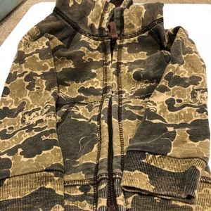 Lucky brand camouflage hoodie 6-12mos
